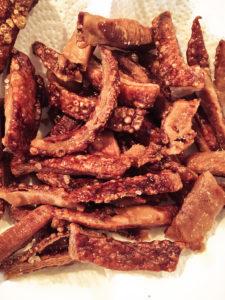 knusprige Schweine-Schwarten-Chips selber machen • Foodblog vom Niederrhein